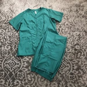 Women's Redcap Nursing Scrubs in green